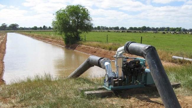 بهره برداران آب های زیرزمینی از سال جاری آب بها پرداخت می نمایند